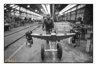 Ouvrier de l'atelier des wagons, La Brugeoise et Nivelles, Manage, Belgique, 1986 - argentique