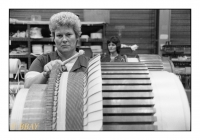 Assemblage des moteurs de traction à courant continu, Ateliers de Constructions électriques de Charleroi (ACEC), Marcinelle, Belgique, 1984 - argentique