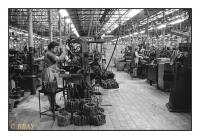 Les femmes machines, Fabrique Nationale d'Armes (FN), Herstal, Belgique, 1986 - argentique
