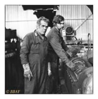 Mécaniciens au travail sur une ligne de conditionnement pour tôles à froid, Para-Métal, Wandre, Belgique, 1984 - argentique