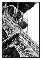 Les molettes du puits n°18/3, Fosse Parent, Charbonnages de Monceau-Fontaine, Marchienne-au-Pont, Belgique, 1986 - argentique