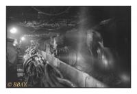 Abattage à la haveuse à une roue dans la taille Primsmulde 2 (le chantier d'extraction le plus profond d'Europe -1630m), Bergwerk Ensdorf-Duhamel, Deutsche Steinkohle (DSK), Saarlouis, Saar, Deutschland, 2007 - argentique