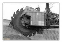 Bagger 288 : la roue à godets mesure 21,6m de diamètre et comporte 18 godets d'une capacité individuelle de 6,6 tonnes, Tagebau Garzweiler II, Rheinbraun (RWE), Grevenbroich, Köln, Deutschland - argentique