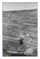Tagebau Hambach est le plus grand d'Europe : 8 500 ha et 399m sous le niveau du sol, longueur de la tranchée 6 kms, Rheinbraun (RWE), Jülich, Köln, Deutschland, 2006 - argentique
